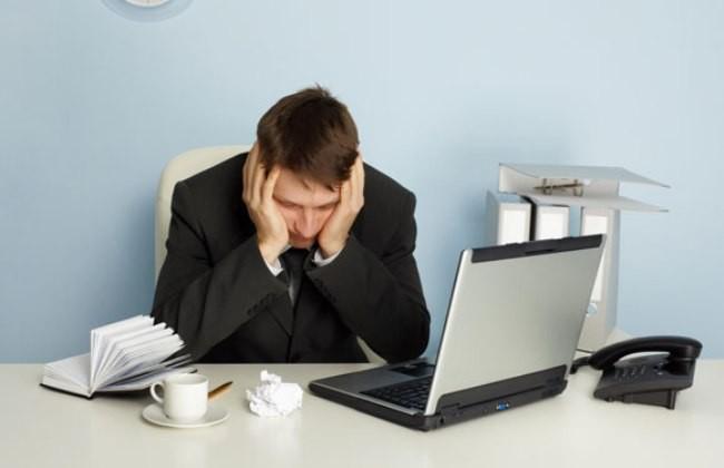 người đau dạ dày nên tránh mệt mỏi