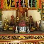 Cách bày bộ đồ thờngũ sắctrên bàn thờ gia đình