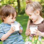 Những lưu ý khi mua sữa tăng trưởng chiều cao cho bé