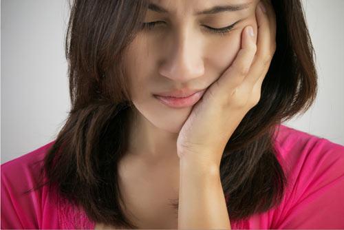 Niềng răng có đau không,làm sao để niềng răng không đâu