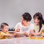 Trẻ bị tiêu chảy có biểu hiện như thế nào và phải chăm sóc ra sao?