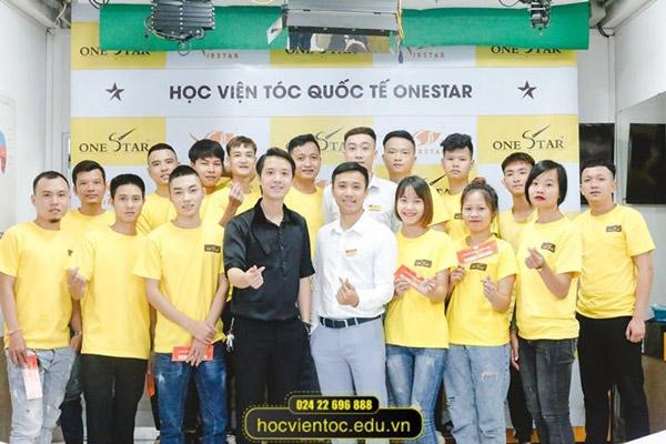 Học viện Tóc Quốc tế OneStar đang thu hút được sự quan tâm của nhiều bạn trẻ hiện nay