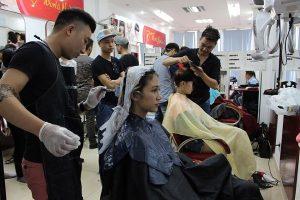 Nên học nghề tóc ở Salon tóc hay học viện tóc OneStar?